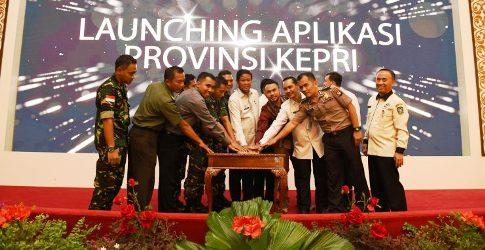 Isdianto Launching Aplikasi SP4N LAPOR Kepri