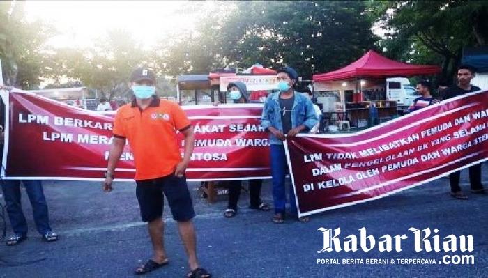 Demo Penolakan LPM Kelola Pasar Pedagang BK Pekanbaru, Nyaris Ricuh