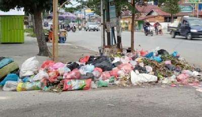 Pesan WhatsApp Agus Pramono Berdampak Sampah Menumpuk di Pekanbaru