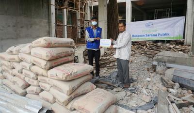 Bantuan Sarana Publik Rumah Yatim Disalurkan Ke Mesjid Al Ikhlas Payung Sekaki