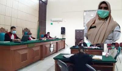 Bansos e-Warung Disorot, Plt Kadisos Pelalawan Srinoralita Vonis Percobaan, Kepsek Kasus yang Sama Dikurung
