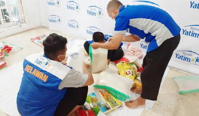 Rumah Yatim Riau Persiapkan 100 Paket Bantuan Bahan Pokok