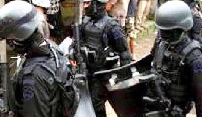 8 Terduga Teroris Dibekuk Densus 88 di Tanjungbalai Medan