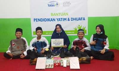 Empat Yatim Bersaudara di Pekanbaru Dapat Bantuan Pendidikan Rumah Yatim