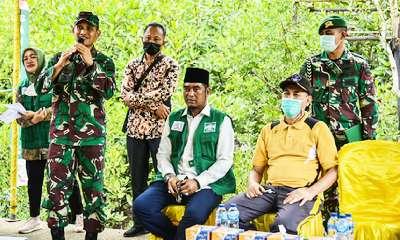Hari Hutan dan Air Sedunia Santan NU Tanam 10.000 Pohon Mangrove di Dumai