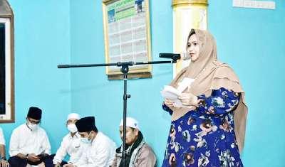 Bupati Kasmarni Serahkan Sejumlah Bantuan dalam Safari Ramadhan Perdana di talang Mandau