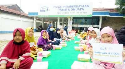 Rumah Yatim Riau dalam 2 Hari Kebelakang Hidangkan Buka 100 Paket Puasa