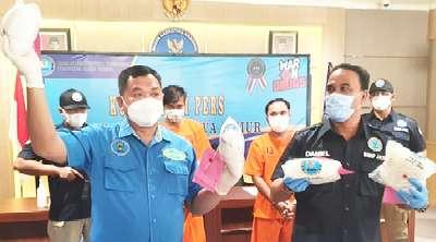 """Disembunyikan Berlapis 4 KG Sabu """"Tercium"""" BNNP Jatim"""