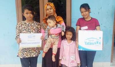 Janda 5 Anak di Pekanbaru Dapat Bantuan Bahan Pokok Rumah Dari Yatim