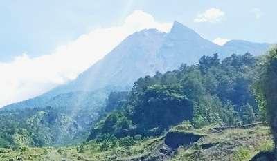 Asyik Ngevlog, Wisatawan ke Kali TalangGunung Merapi Tewas Masuk Jurang