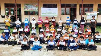 Keceriaan Pelajar SD 030 Desa Bantayan di Pedalaman Riau