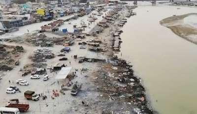 Ratusan Mayat Korban Covid-19 yang Sudah Dikubur di India Mengapung Disapu Banjir Tahunan