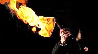 OTD Molotov Rumah Dinas Kadivpas di Bukit Raya Pekanbaru