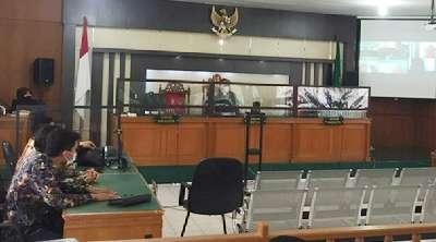 Majelis Hakim Dinas Luar Kota, Sidang Gugatan Limbah TTM Chevron Ditunda