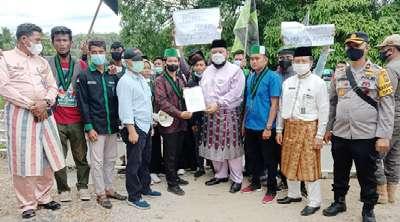30 Orang Massa HMI Goyang Pemkab Rohul Diterima Ketua DPRD