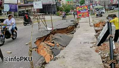 Jalan Lobak Amblas, Warga @InfoPKU Himbau hati-hati