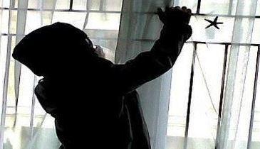 Celengan Toko Tjhin Hun Ying Digondol Maling Terekam CCTV