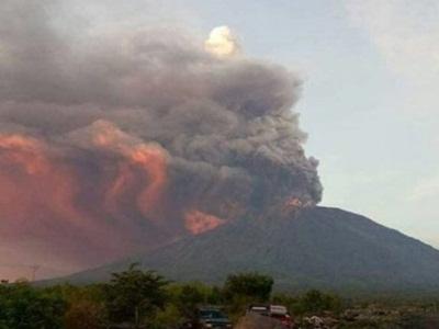 asap-erupsi-gunung-agung-mengerikan