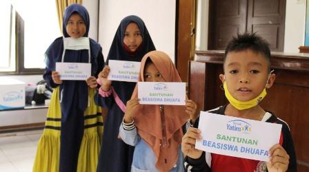 rumah-yatim-bagikan-beasiswa-dhuafa-plus-paket-data-internet-di-pekanbaru