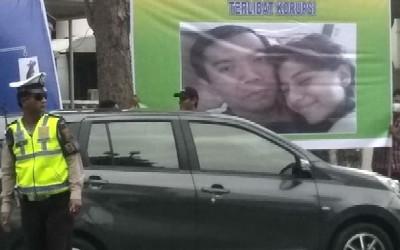 foto-mesra-walikota-pekanbaru-dipajang-diruang-publik-apa-kaitannya-mafia-proyek