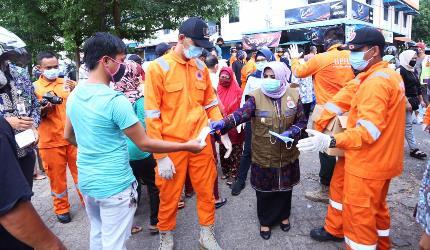 masker-dan-hand-sanitizer-dibagikan-pemko-tanjungpinang-pada-masyarakat