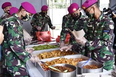 Dapur Umum TNI/Polri dan Tim Dapat  Apresiasi Warga Jakarta