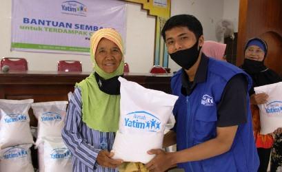 dua-kecamatan-di-pekanbaru-kembali-disalurkan-bantuan-dari-rumah-yatim