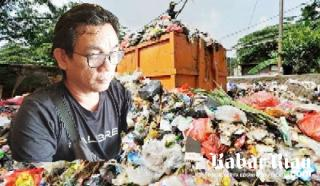 """Siti Nurbaya Janji Turunkan Ahli Dukung Polda Riau Usut Pejabat Terlibat """"Sampah"""" di Pekanbaru"""